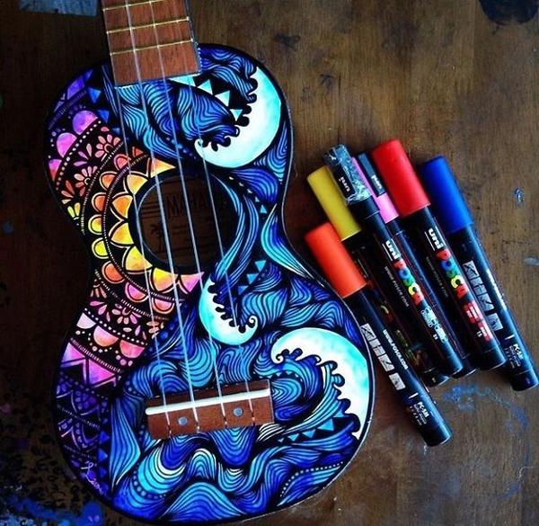 マーカーペンを使用して楽器にお洒落なペイント! (3)