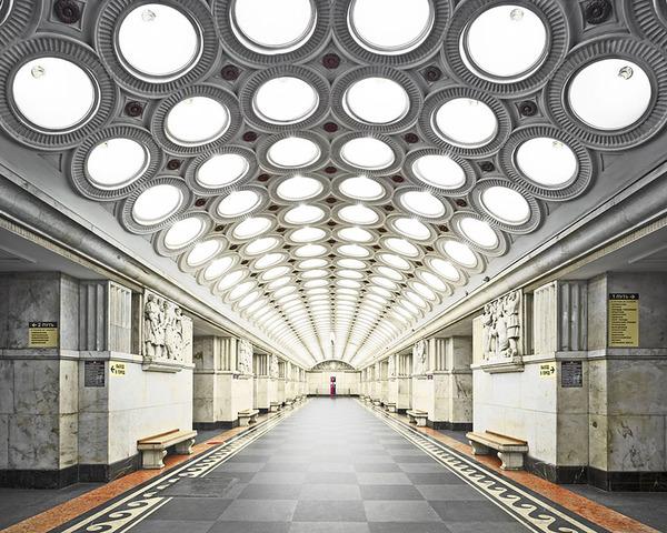 建築美!宮殿のように豪華で美しいロシアの地下鉄の画像 (2)