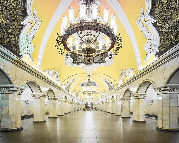 建築美!宮殿のように豪華で美しいロシアの地下鉄の画像 (3)