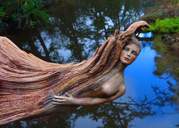 ロマサガのボスっぽい…流木に宿る女性彫刻! (16)