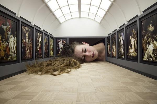 ミニチュア美術館を観に来たらアートの一部になっちゃった人達 (10)