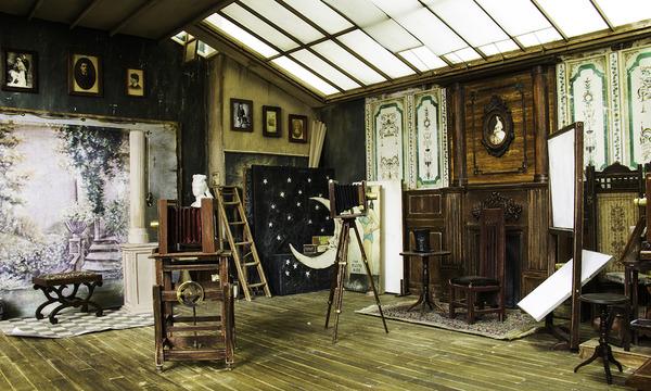 1900年代初頭の写真館をミニチュア・ジオラマ模型で再現 (6)