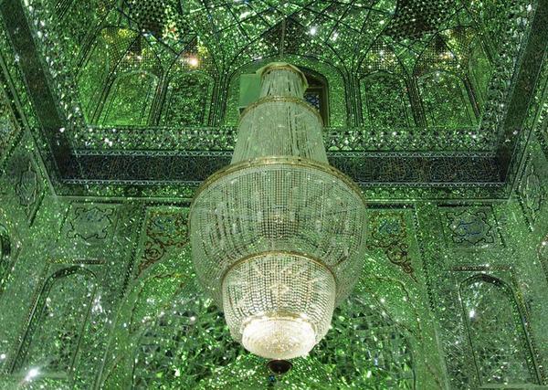 シャー・チェラーグ廟!超煌びやかなモスクの内装 (8)