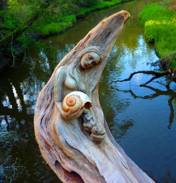 ロマサガのボスっぽい…流木に宿る女性彫刻! (12)