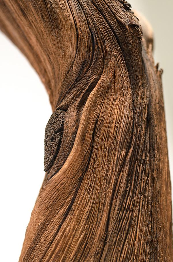 木材の彫刻のように見えるセラミック彫刻 (31)