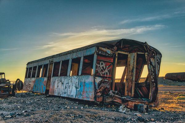 世紀末的な風景。ボリビアで放棄された列車の数々の写真 (14)