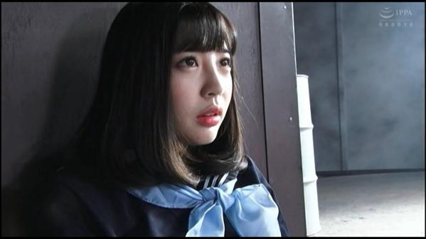 【無】【高画質】スレンダーな美女ギャル!中途半端に脱がせ