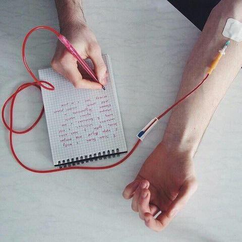 【画像】命を削って書ける赤ペンがヤバすぎる