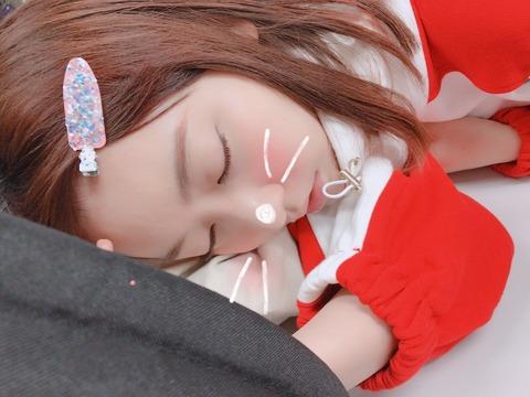 整形呼ばわりされたはずの宮脇咲良たんの寝顔が天使過ぎるwwwwwww (※画像あり)