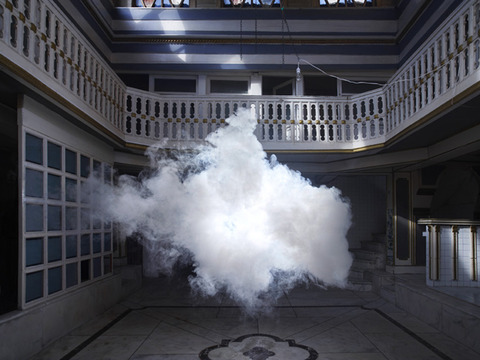 空から部屋に雲を連れてくる装置