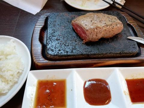 【画像】ワイ、いきなりステーキよりコスパのいいステーキ屋さんを発見する