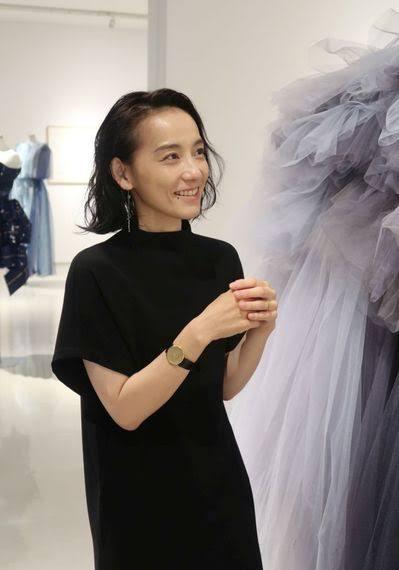 【画像】篠原ともえさん41の現在が美人過ぎると話題にwwwwwwwwww