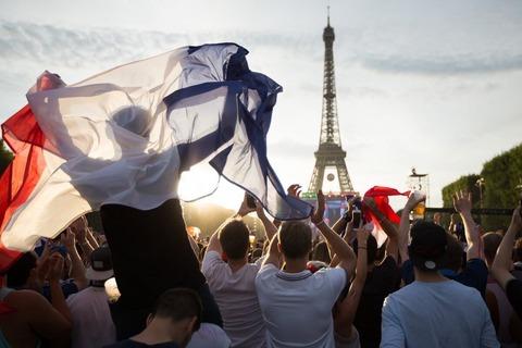 【W杯】 フランスのスクランブル交差点が大変なことになってるwwwwwwwwwww