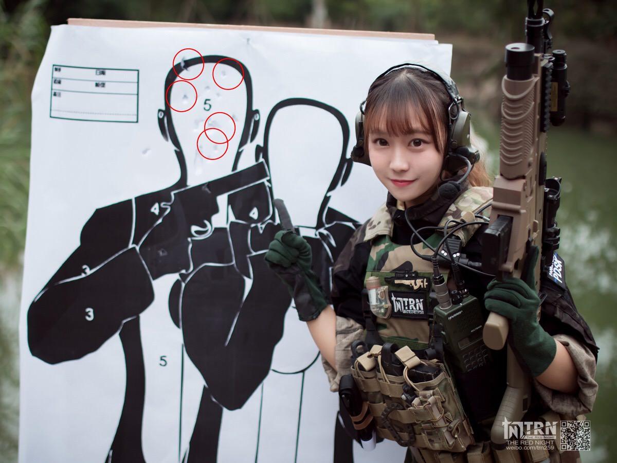 【画像】中国の美女警察官が射撃訓練をした結果wwwwwwwww