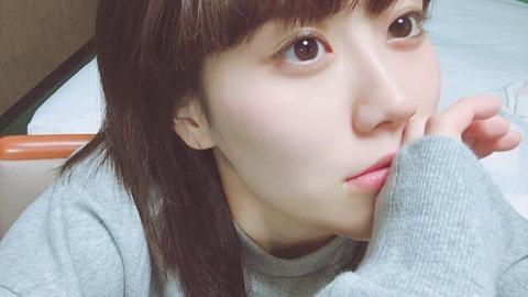 【NGT48】寝相が悪くて寝顔も悪い?たこ焼きみたいな顔で頭ぶつけて【西潟茉莉奈】