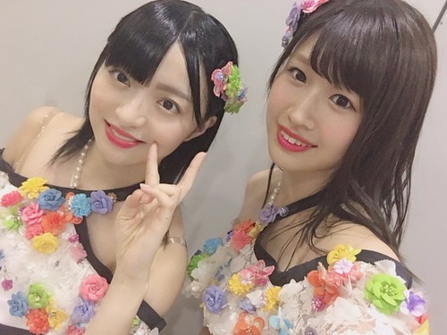【AKB48】佐藤朱が必死に我慢してるダンス中のある瞬間&幸せな傍観者。佐藤七海は空気づくりの発起人&小栗有以がファッションがかぶっていたときにする行動