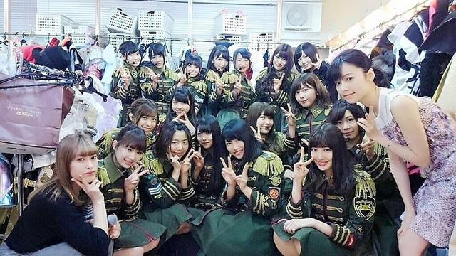 AKB48】AKBグループのライブ舞台裏は戦場。暗闇で時間も無ければ先輩 ...