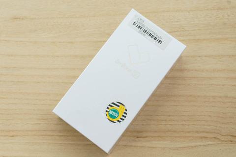 ZenFone 5Q ZC600KL パッケージ002