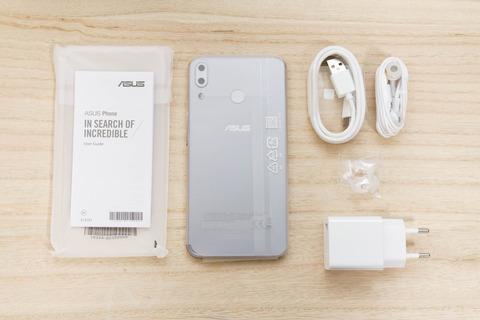 ZenFone 5 ZE620KL シルバー (1)