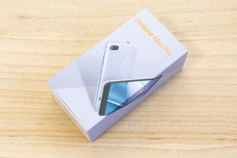 ZenFone Max Plus M1 ZB570TL パッケージ