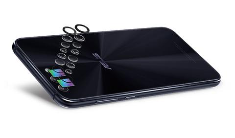 ZenFone 4 ZE554KL 背面カメラ
