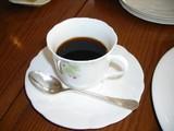 「お昼の軽いコース」〆のコーヒー