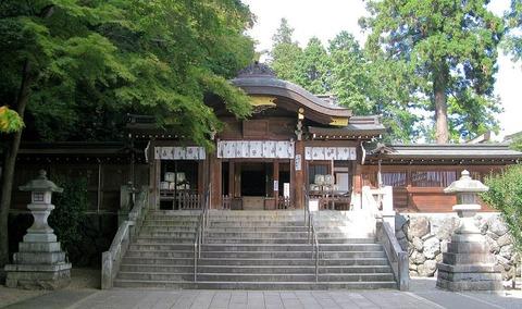 1280px-Hidaka_Saitama_Koma_Shrine_Shinmon_1