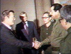 250px-Saddam_rumsfeld