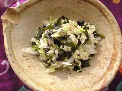 白菜とわかめのゆかり梅酢味