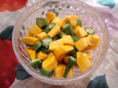 コリンキーとおくらの柚子胡椒サラダ