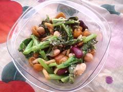 菜花・なめこ・豆のごまナンプラー蒸し