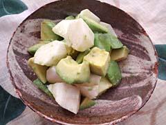 アボカドと長芋のわさびナンプラー酢