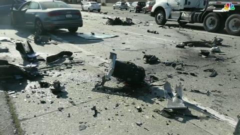【爆発か】自動運転EVのテスラ「Model X」 車体前半が無くなるほど激しく破損・炎上する大事故 運転手死亡、Autopilot使用は不明