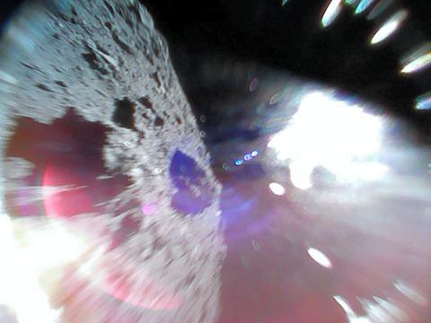 【宇宙】はやぶさ2の探査ロボ・ミネルバ、リュウグウ着陸に成功 世界初(画像あり)