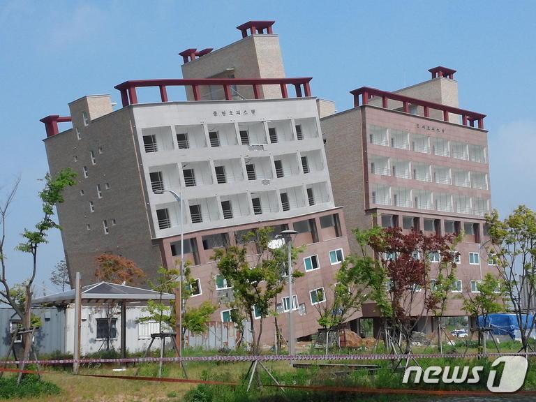楽韓Web : 韓国牙山市で7階建て...