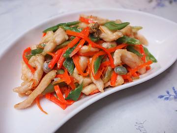 鶏肉・ささげ・人参の柚子胡椒味噌炒め