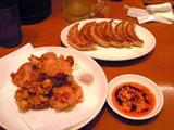 大阪王将の焼餃子と若鶏の塩から揚げ