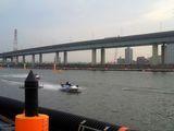 対岸には祝江戸川復活の手製看板