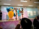バニラビーンズと岡村慶太とウェイキーで記念撮影