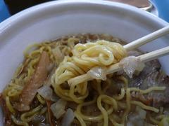 セブンイレブン八王子ラーメン:麺