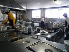 スノーダルマ食堂:厨房