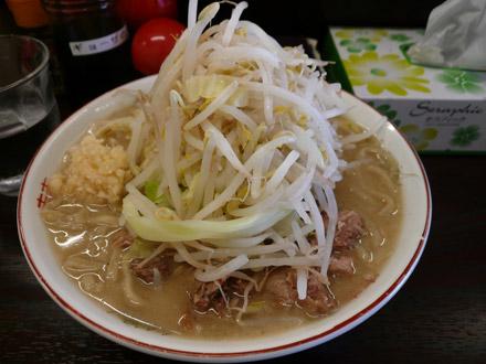 島系本店:ラーメン 大煮ブタ