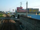 あづまラーメン:外観・島原鉄道から
