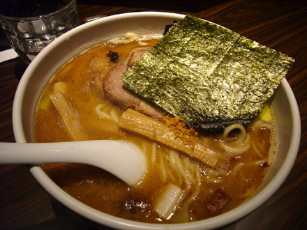 麺屋武蔵鷹虎:らーめん(小写真)