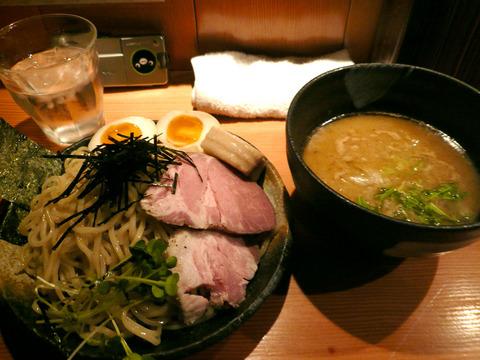 麺処 ほん田:特製つけ麺