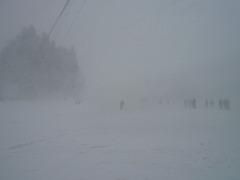 スノーダルマ食堂:外の雪