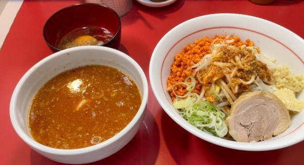 指原莉乃のラーメンの食べ方に称賛の声「美味しく完食したいので麺は1/3、野菜は半分」と量を調節
