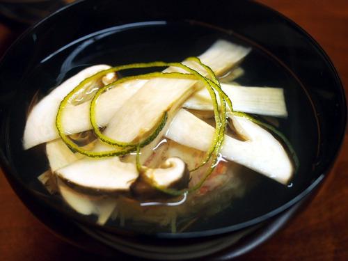 松茸と紅ズワイ蟹の椀
