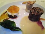 蝦夷鹿の腿肉の2つの味覚ローズマリーソース&フォアグラのムース