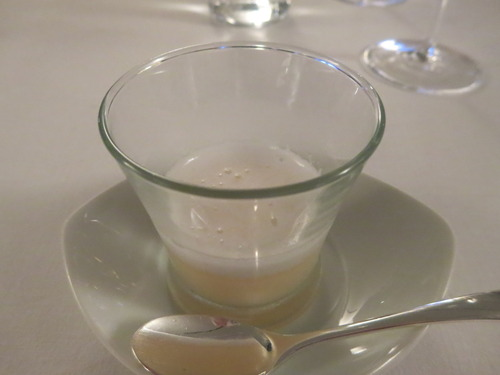 紅玉のスープとロゼのエスプーマ